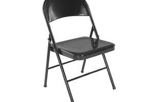 25 Ways To Use Steel Chairs In WWE '12
