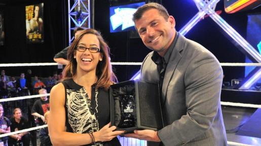 AJ Wins WWE Superstar Challenge 2013