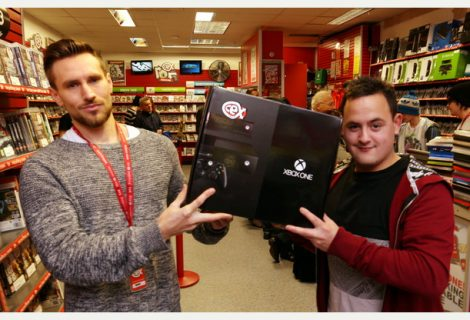 Man That Paid For Photo Gets Free Xbox One