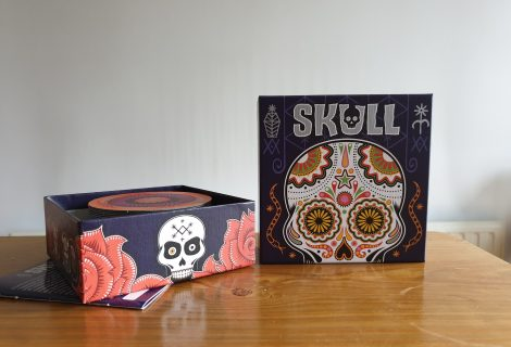 Skull Review - Bluffing Brilliance